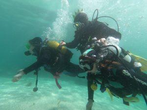 Hacer un bautismo de buceo en Rías Baixas