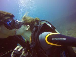 Pedida de mano bajo el agua